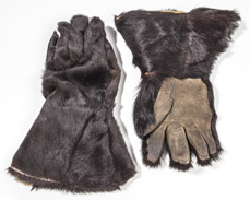 Indian Wars Bear Skin Gloves