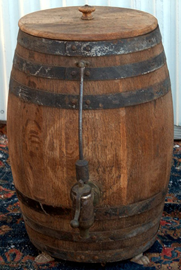 WOOD BARREL FORM DISPENSER