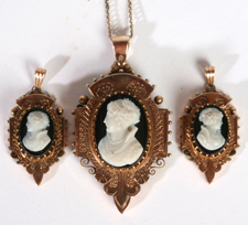 GOLD VICTORIAN CAMEO SET