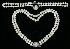 CULTURED PEARL NECKLACE & BRACELET