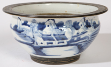 CHINESE CANTON PORCELAIN BOWL