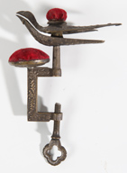 19TH CENTURY BRASS SEWING BIRD
