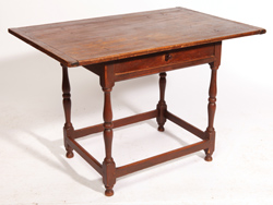 AMERICAN QUEEN ANNE TAVERN TABLE