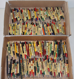 LARGE LOT OF ADVERTISING MECH. PENCILS