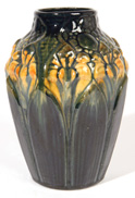 ARTS & CRAFTS PETERS & REED POTTERY VASE
