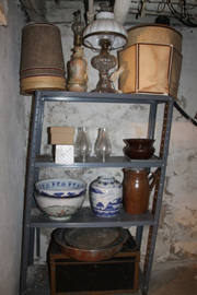 MANY ANTIQUE ITEMS