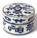 CHINESE PORCELAIN COSMETIC BOX